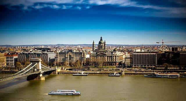 budapest-2173057_640